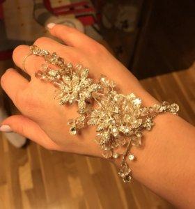 Свадебное украшение на руку