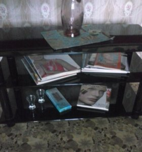 Столик (стекло) новый