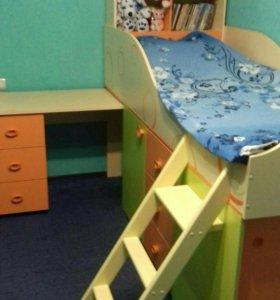 Кровать-стенка в детскую комнату