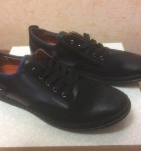 Ботинки(кроссовки) мужские новые 42-43 р.