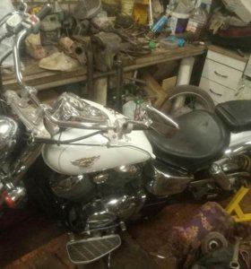 Продам мотоцикл хонда шадоу 400 2005г.