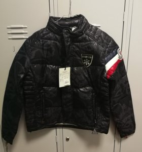 Куртка Moncler пуховик. размер М до 4 XL.