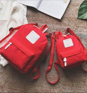 Два рюкзака мама и дочь
