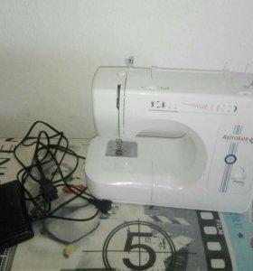 Швейная машинка, практически новая