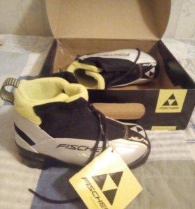Новые лыжные ботинки Fisher