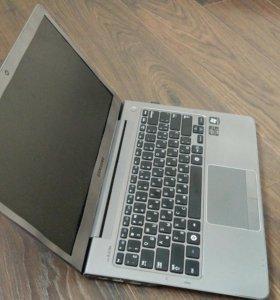 Ноутбук Samsung np530u3c