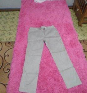 Продам джинсы(1000 р), бриджи (500)