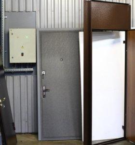 Дверь с верхней вставкой изготовлена на заводе