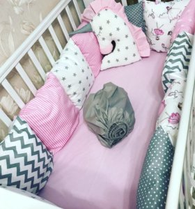 Бортики в кроватку, постельное,конверт-одеяло.