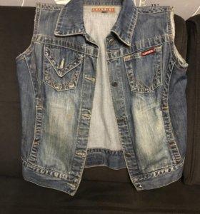 Жилет джинсовый, кардиган вязаный, платье, пальто