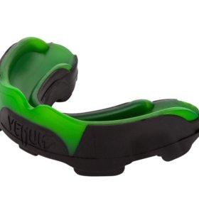 Каппа Venum Predator Mouthguard Green
