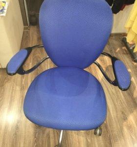 Стул-кресло компьютерное