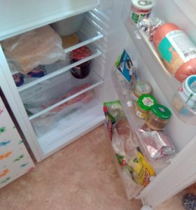 Холодильник,шкаф, диван,все вопросы по телефону