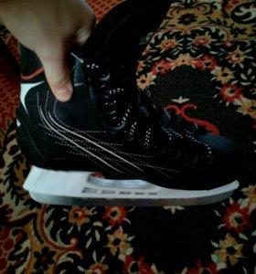 Хоккейные коньки (новые)