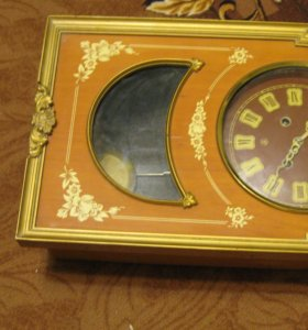 Красивые настенные часы Маяк с боем.