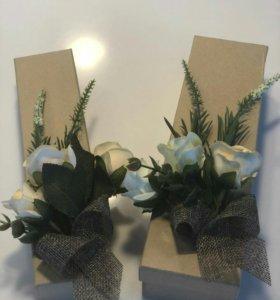 Подарочные коробки с декором