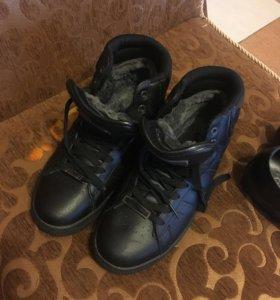 Ботинки новые зимние с натуральным мехом и туфли