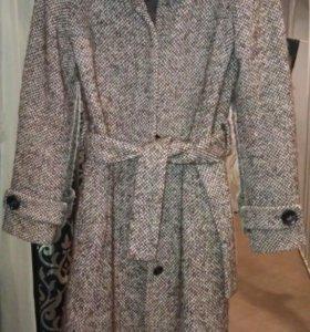 Продам пальто шерстяное размер 44-46(М)