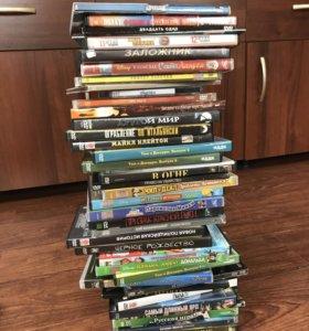 Куча дисков со старыми фильмами