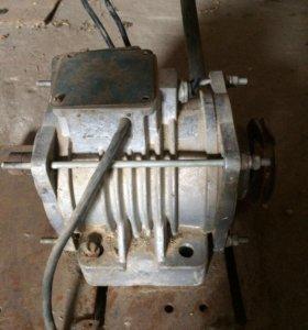 Двигатель 3,2 кВ,6000 оборотов