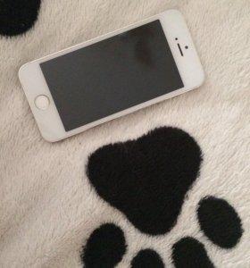 Продам на запчасти IPhone 5s на 32 gb