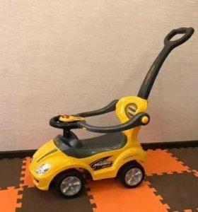 Машина-толокар+игрушки