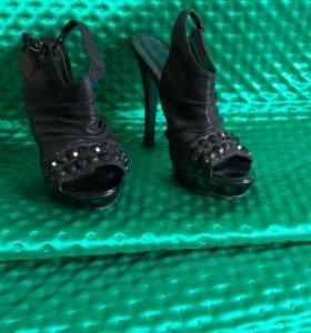 Туфли жен 35-36 р-р+подарок!!!