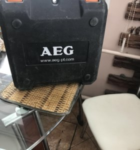 Шуруповерт AEG комплект, документы и гарантия 3 г