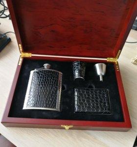 Подарочный набор мужчине (фляга, портсигар)
