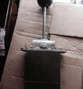 ЕК-12,14,18 Кран управления ходовой