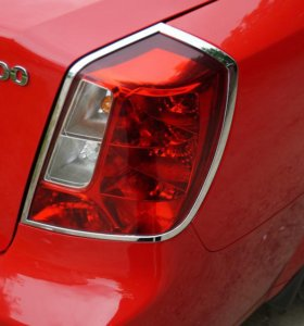 Хромированные накладки задние фары Daewoo Gentra