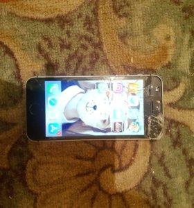 Продаю Айфон 5s 16 гб экран треснул на работу не