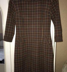 Платье из тонкой шерсти
