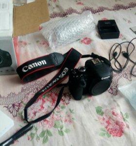 Зеркальный фотоаппарат Canon EOS 600D