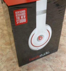 Beats studio 2 white