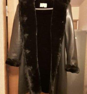 Пальто кожаное с мехом (овчина) + зимняя шапка