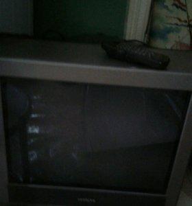 Телевизор и кронштейн