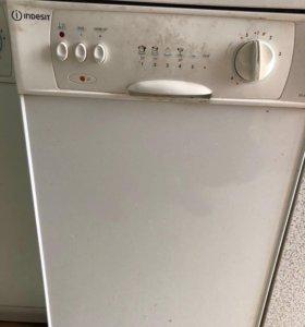 Посудомоечная машинка Indesit