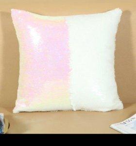 Подушка с пайетками бело-розовая
