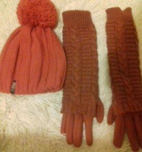 Продам брендовык перчатки длинные и шапку