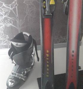 Горные лыжи с ботинками и палками