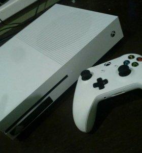 Продам xbox one S + 4 игры