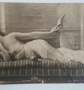 Французская фотокарточка в стиле ню