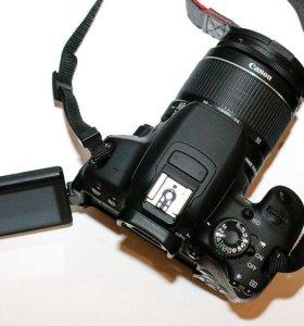 Зеркальная фотокамера Canon 650D Kit
