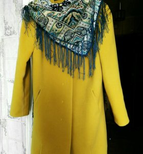 Пальто с шерстью + платок на фото в подарок