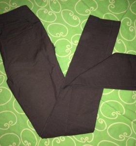 Серые брюки, штаны