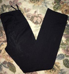 Чёрные штаны, брюки