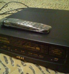 Видеомагнитофон/Видеоплеер Akai vs-R120 edg