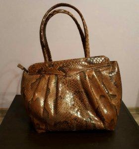 Дамская сумка . Настоящая кожа питона .