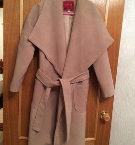 Пальто новое размер S